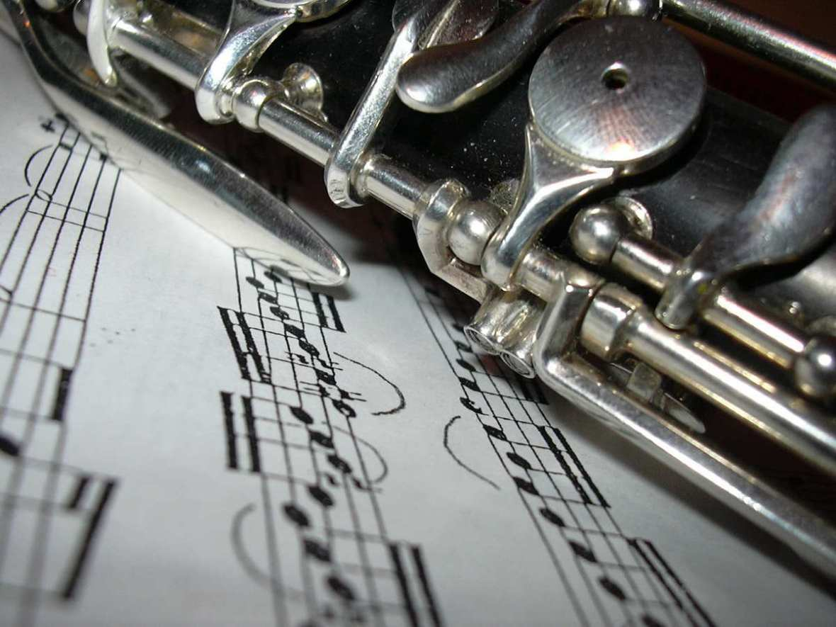 Oboe with sheet music